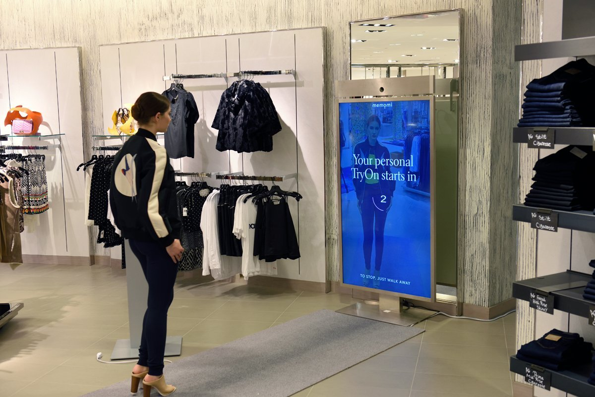 Boosting The Retail Customer Experience With Digital Mirrors And Ing Rooms